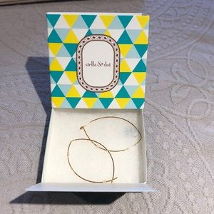 Stella & Dot Hammered Wire Large Hoops- GOLD